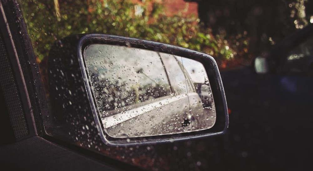 抖音上很火的下雨文案让人点赞 适合雨天发的文案